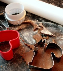 cutting-gingerbread
